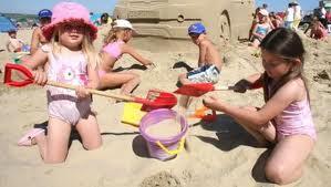 Come eliminare la sabbia dai costumi da bagno