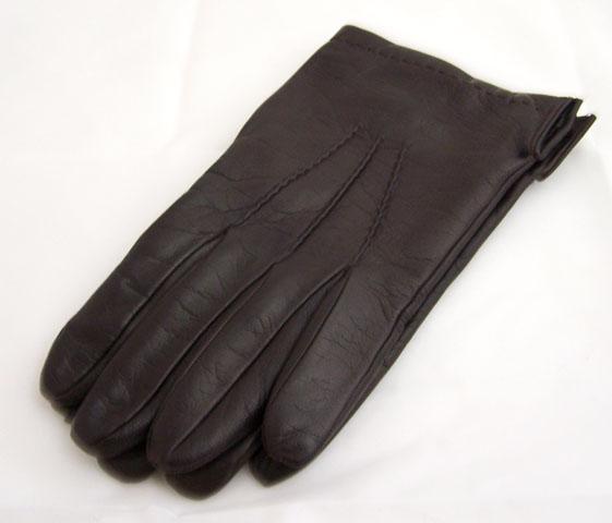 Come pulire i guanti di pelle