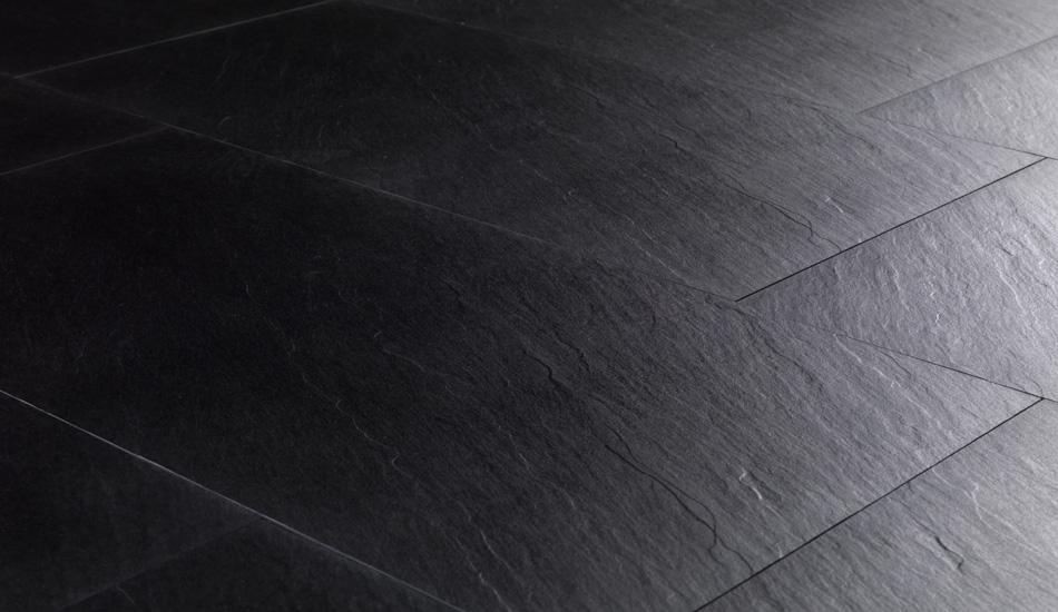 Pulire ardesia: come pulire i pavimenti in pietra