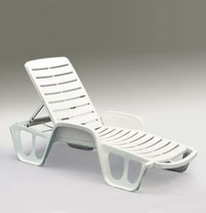 Come Pulire Sedie In Plastica.Come Pulire Le Sdraio Pulizia Sedie A Sdraio