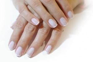 pulizia delle unghie