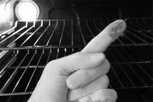 pulizia del forno incrostato