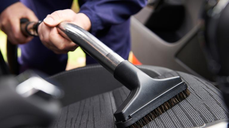 Come pulire la tappezzeria dell' auto