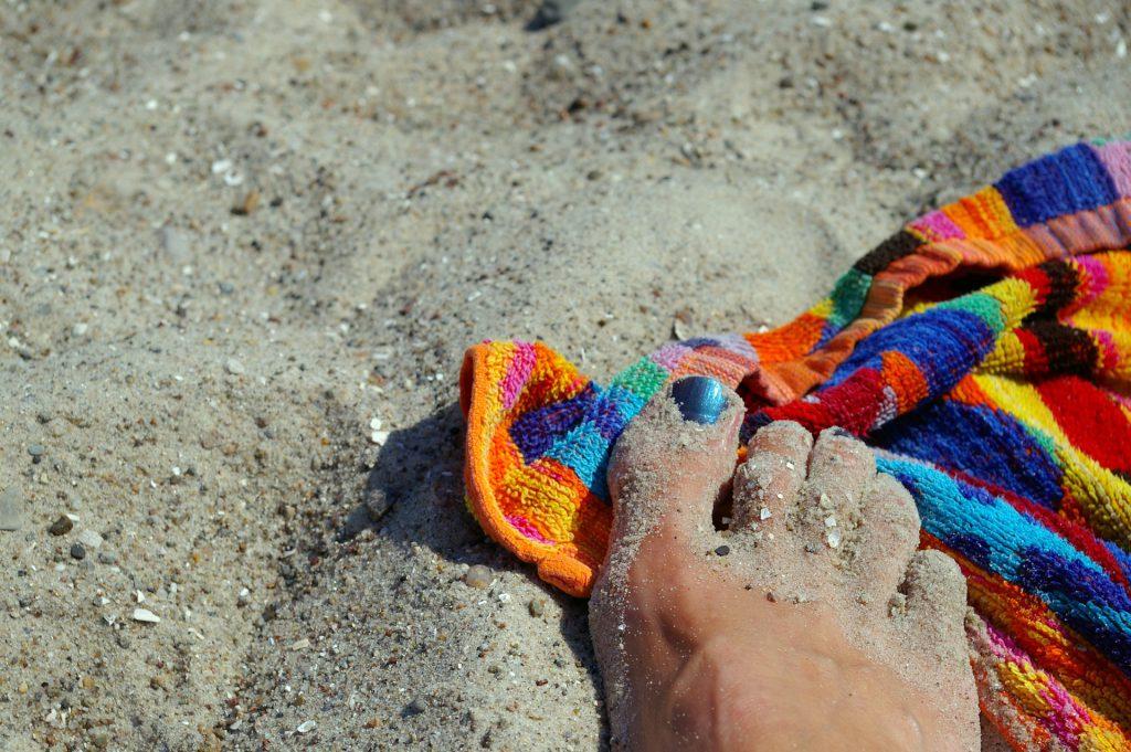 Come pulire il telo mare