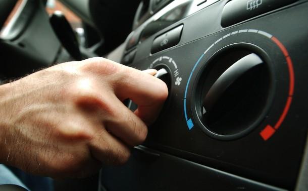 Come pulire il climatizzatore d'auto