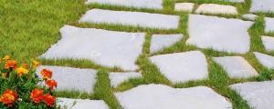 pulizia delle superfici esterne in pietra naturale