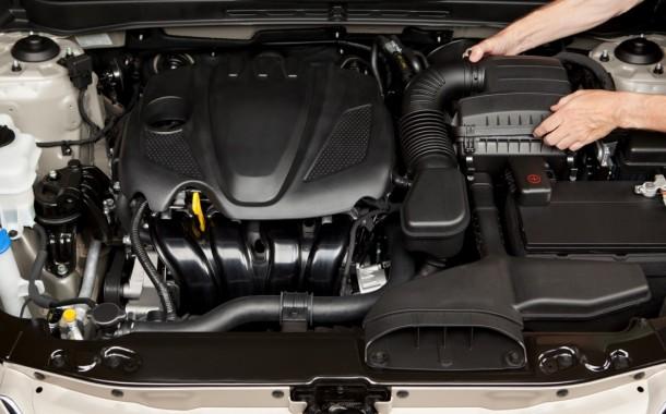 Come pulire il vano motore
