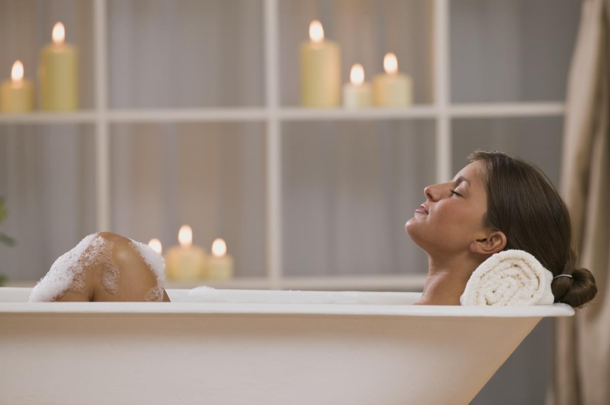 7 modi alternativi per un bagno di bellezza