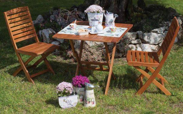 Come pulire sedie e tavoli in legno verniciati