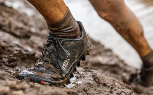 Come pulire le scarpe sporche di fango