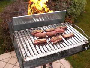 Come pulire la griglia del barbecue a Pasquetta