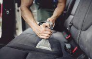 Come pulire la sabbia dall'auto