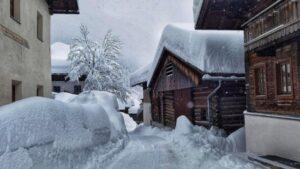 Come togliere la neve dal tetto