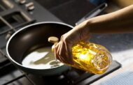 Come smaltire correttamente l'olio di frittura