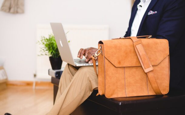 Come pulire una borsa portatile per laptop